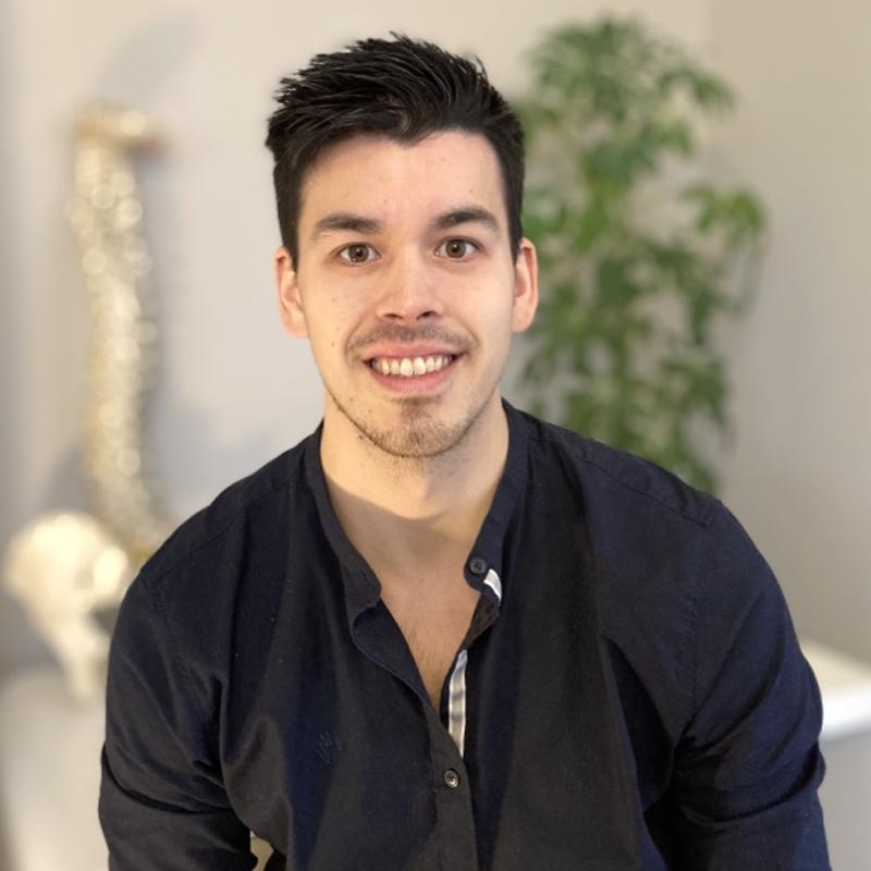 Dan Saxton-Cheung - Associate Chiropractor